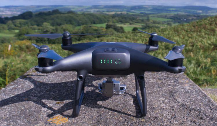 Drone dengan Fitur Penghindaran Tabrakan Terbaik DJI Phantom 4 pro